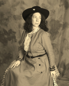 annie-oakley-seated-1